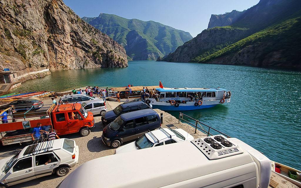 Jezioro Komani