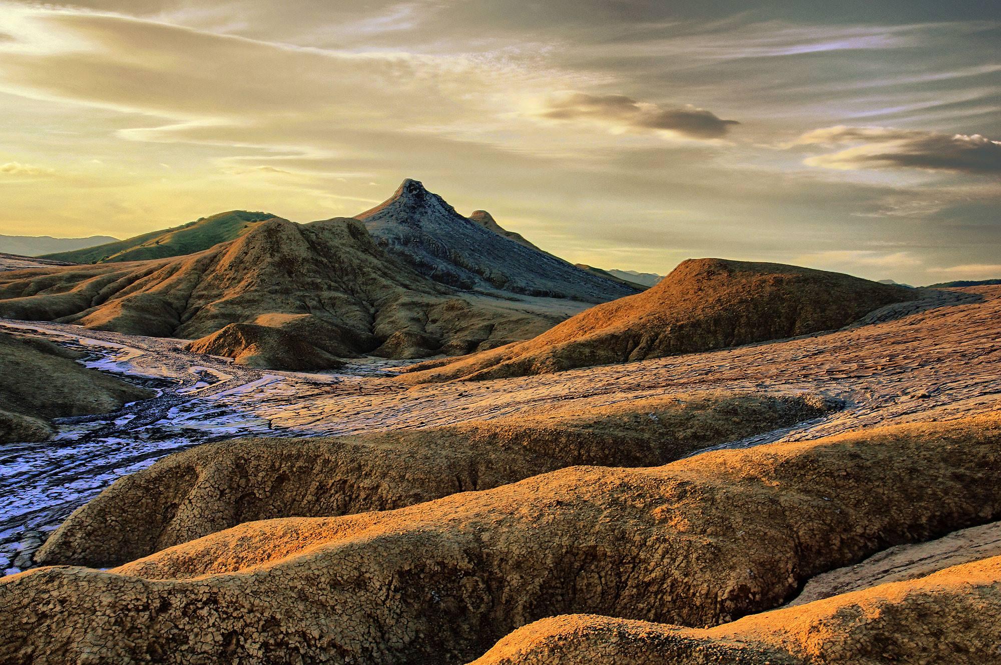 Vulcanii Noroioși Pâclele Mici
