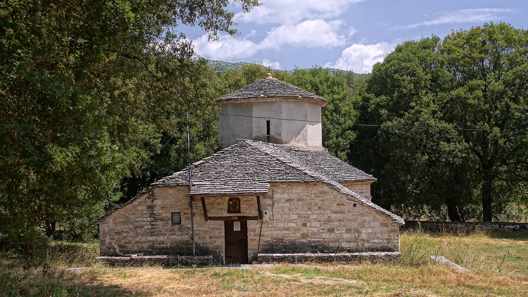Kato Pedina – kamienny kościół