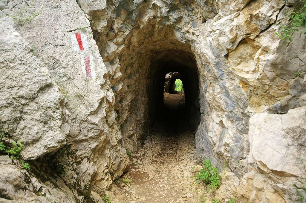 La Tunele